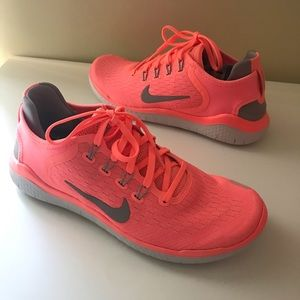 New Nike Free Run Women's Sneakers Coral Size 8